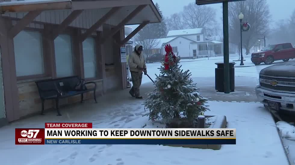 New Carlisle man volunteers to clear downtown sidewalks